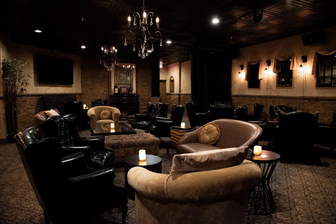Monroes-Legeneds-Steakhouse_RedLight_interior-1_1080x_v1a